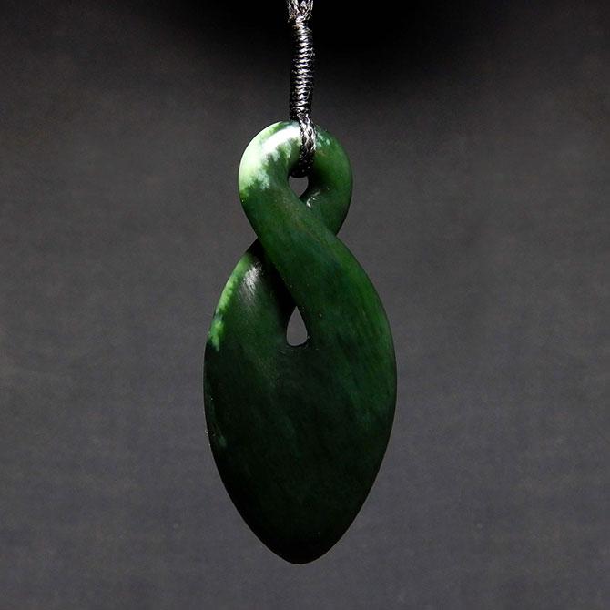 Jade Single Twist – Pikorua